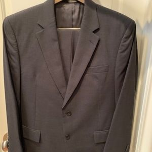 Jos. A. Bank Gray Color Suit - Coat 41 R and Pants